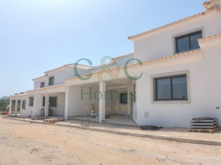 Brand new 4 Bedroom Townhouse in Almancil | 4 Bedrooms | 4WC