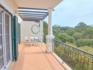 Two Bedroom Duplex Apartment in Vale do Lobo with distant Sea View | 2 Bedrooms | 1WC