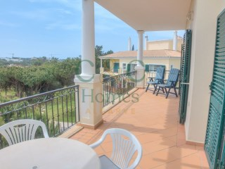 Two Bedroom Duplex Apartment in Vale do Lobo with distant Sea View | 3 Pièces | 1WC