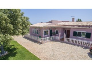 Three Bedroom Villa with Country Views | 3 Sovrum