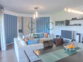 Elegant Two Bedroom Apartment in Vilamoura | 2 Bedrooms | 1WC
