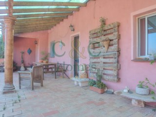 Small Country House near Estói with beautiful Views to the Sea  | 3 Pièces | 1WC