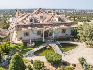 Spacious Villa with Character and  distant Sea Views | 4 Sovrum | 2WC