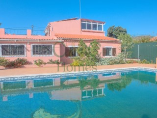 Three bedroom Villa between Loulé and Quarteira | 3 Bedrooms