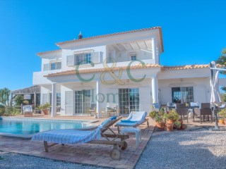 Three Bedroom Villa with Panoramic Views in Loulé | 4 Pièces | 2WC