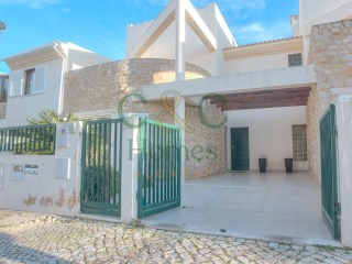 Spacious 3 Bedroom Townhouse on the outskirts of Loulé | 3 Bedrooms | 1WC