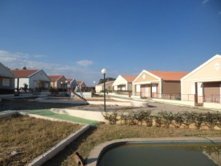Detached single-family dwelling T3, in a residential condominium in the city of Lubango-Angola | 3 Bedrooms | 2WC
