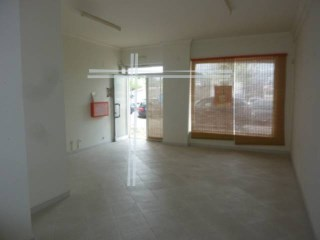 Shop with 64 m 2. Bank building, special financing conditions. 100% financing. |