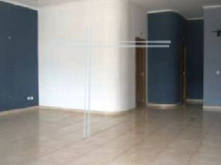 Shop with 51 m2, property of Bank-orange tree |