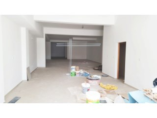 Shop with 220 m2, new-Seixal |