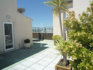 Apartment T2-parking, storage room, sauna and swimming pool-Property of Bank-Sto António Caparica | 2 Bedrooms | 1WC