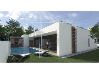 Detached House › Sesimbra | 4 Bedrooms | 3WC