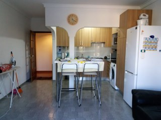 Apartment T2-semi-equipped kitchen, good location. | 2 Bedrooms | 1WC
