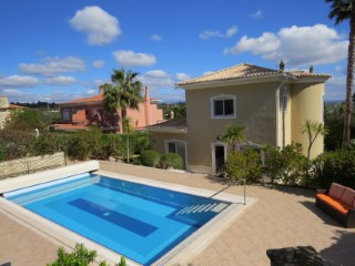 A 4 bedroom detached villa on the Boavista Golf and Spa Resort in Lagos, Western Algarve. | 4 Bedrooms | 4WC