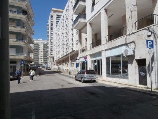 Shop/Commercial Space-Alvalade |