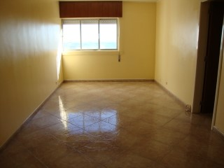 T2 Refurbished-Torres Bela Vista, San Antonio Riders | 2 Bedrooms | 1WC