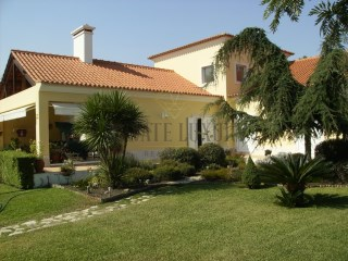 QUINTA DO PERÚ | V4 VILLA + POOL + GARDEN | GOLF | 4 Bedrooms | 3WC