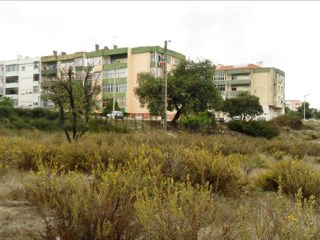 SEIXAL | LAND WITH HOUSING CONSTRUCTION PROJECT | APARTMENTS AND VILLAS |