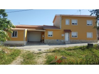 House › Pombal | 3 Bedrooms