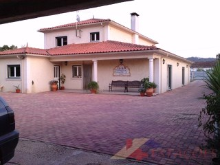 House › Pombal | 4 Bedrooms