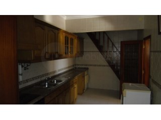 Two-flat House › Vila Nova da Barquinha | 3 Bedrooms | 1WC