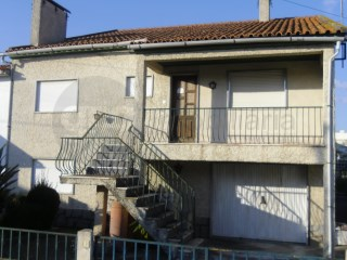 House › Vila Nova da Barquinha | 6 Bedrooms | 2WC