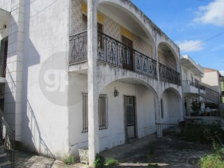 House › Sesimbra | 6 Bedrooms | 2WC