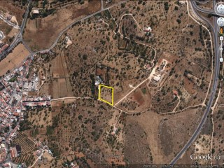 Mixed terrain for construction of dwelling-Lagoa Algarve |