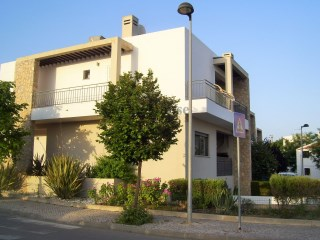 Fantastic Modern Townhouse T3 +1 with garage in São Brás de Alportel, Algarve. | 3 Bedrooms + 1 Interior Bedroom | 3WC