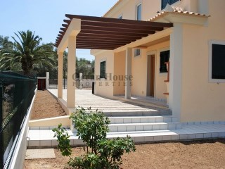 House 4 bedrooms as new in Fuseta-Olhão.  | 4 Bedrooms | 3WC