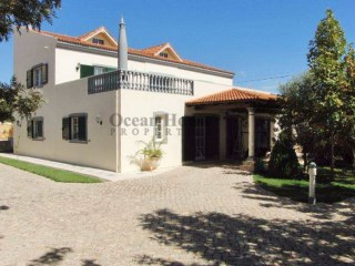 Spectacular 3 + 2 bedroom villa in Olhão High Zone