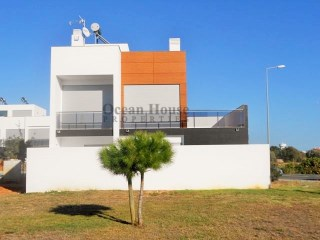 Modern villas T3 new with garage in Olhão. | 3 Bedrooms | 3WC