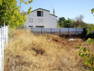 Land with project approved for building in São Brás de Alportel, Algarve.