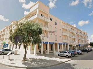 2 bedroom apartment with garage in the Centre of Almancil, Algarve | 2 Bedrooms | 2WC
