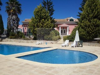 Villa with swimming pool for sale in Setúbal | Portugal | 6 Bedrooms | 6WC