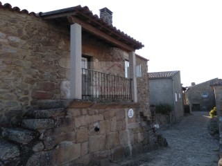 Country house for sale in Castelo Mendo | Portugal | 3 Bedrooms