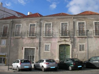 Building for sale and for total refurbishment in Setúbal | Portugal |