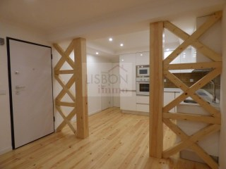 Apartment for sale in the centre of Lisbon | Arroios | 2 Bedrooms | 2WC