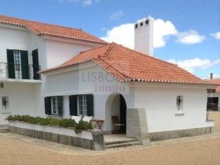 Farm for sale with three houses in Santarém | Portugal | 7 Bedrooms