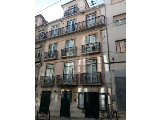 Building for sale, to refurbish, in Lapa | Lisbon |