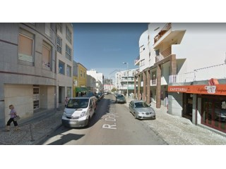 Store for sale in Laranjeiro with 13,5% annual revenue | Almada |