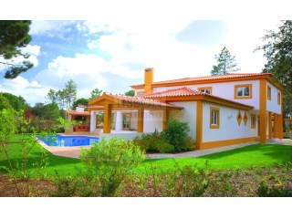 Luxury villa for sale in Quinta do Peru | Setúbal | 6 Bedrooms | 5WC