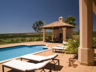 LUXURY VILLA on the GOLF COURSE in SILVES, ALGARVE. | 5 Bedrooms | 4WC