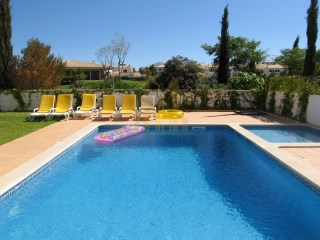 Fantastic 4 bedroom villa in Albufeira - PRICED FOR QUICK SALE | 4 Bedrooms | 3WC