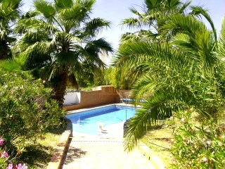 Countryside Quinta with guest cottage and pool | 3 Bedrooms + 3 Interior Bedrooms