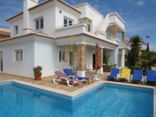 VILLA with FABULOUS SEA VIEW, swimming pool, 5 MINUTES walk from STATION DE MOS in LAGOS, ALGARVE | 4 Bedrooms | 3WC
