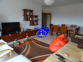 Apartment T3 booked, located in the Quinta da Fidalga, possibility of Exchange for housing in the Valley of cars.
