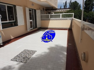 Apartment T3 booked, with 38 m 2 terrace with barbecue, fully refurbished in Setúbal centre next to the Stadium.