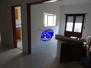 Investment opportunity, 2 bedroom apartment in building with lift, view from the river.