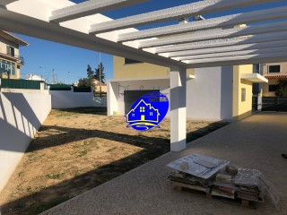 Detached House › Seixal | 4 Bedrooms | 3WC